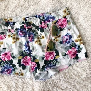 FOREVER21 floral raw hem  high waist jean shorts